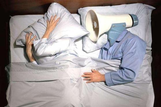 """有健康""""红灯""""的人,睡觉时往往有四个特点,其中一个要认真对待。  我心爱的人 婴儿睡觉时打呼噜 交通信号灯红灯亮时 亚洲最大红灯区 我是不是你疼爱的人 红灯梦 粗心大意的人叫什么 海獭睡觉时 婴儿睡觉时呼吸急促 第2张"""