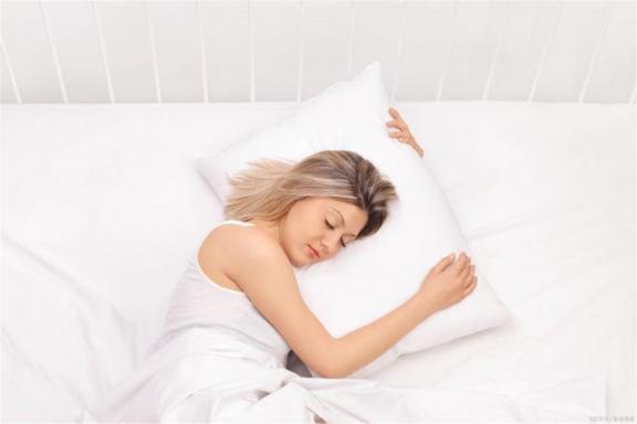 为什么睡觉会梦到春天?总的来说,这两个原因很常见,不用担心。  梦到飞檐走壁 朝鲜美女陪金正日睡觉 做梦梦到蛇缠身 梦到别人吃鱼 蟒蛇每晚缠着女子睡觉 一整夜不睡觉 其实你什么都不用担心 第3张