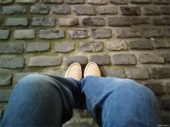 老年人的鞋子是骗人的产品吗?提醒家里长辈,秋天就来不及了。  手机来电提醒 骗人网站 写给长辈的一封信 中老年人补钙产品 联通来电提醒 vista产品密钥 小鞋子qvod 老年人尿血是怎么回事 中国专家晚来一点就来不及了 健长乐是骗人的吗 第5张