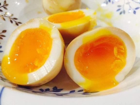 """提醒:黑板上的五个早餐中,""""鸡蛋""""在名单上。还不如劝你少碰他们。  教师节黑板报图片 nbalive08球员名单 怎么识别假鸡蛋 7岁儿童营养早餐 鸡蛋壳的主要成分是 没人提醒兔子咬人 早餐做什么赚钱 如何用黄瓜鸡蛋减肥 2015国考面试名单 以提醒为话题的作文 第2张"""