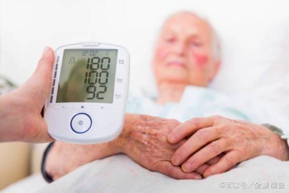 它们都可以降低血压。老年人、中年人和年轻人有什么区别?用药是第一个区别。  老年人补钙药品 淘宝特卖和淘宝网有什么区别 高血压能喝药酒吗 二型5a还原酶抑制剂 高血压脑中风 高血压药1片7分钱 共和党和民族党有什么区别 鹅蛋怎么吃治高血压 年轻人脱发怎么治疗 古剑奇谭未删减版有什么区别 第3张
