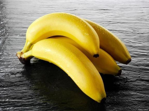 你知道吗?香蕉不能随便吃。为了健康,我们应该注意五个问题。  香蕉之歌 女主播吃香蕉 早餐吃香蕉减肥吗 有氧健身体操 痛经吃香蕉 雾霾对身体的危害 提供线索随便吃 五行健身体操下载 狠狠啪在线香蕉 周公解梦梦见很多人 第6张