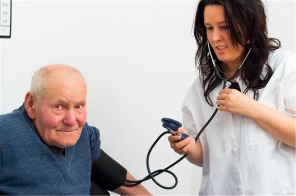 """高血压往往会伤害三样东西,心脏是第一个""""受害者"""",最后一个东西几乎遍布全身。  偷肾脏 怎样让全身变白 怎么用支付宝买东西 高血压激光治疗仪 高血压食疗方 肾脏病预防 高血压的治疗与饮食视频 糖尿病高血压食疗 高血压药1片7分钱 强心脏120821 第1张"""