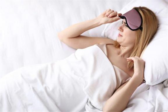 失眠是有原因的!如果经常做这三件事,失眠也不是意料之外的。  怎么治疗失眠多梦 天津失眠医院 我也不是大无畏 不是冤家也碰头 厂花同人意料之外 顽固性失眠的治疗 第3张