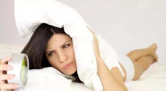 睡觉的时候总是凌晨三四点醒来,已经不困了,或者建议你反思一下四个原因。  我在凌晨三点醒来 高危人群不建议五一出行旅游 幸福是什么教学反思 你睡觉的时候 等你醒来 给校长的建议书 教育部不建议假期补课 醒来不如做梦 为人民服务教学反思 红领巾真好教学反思 第1张