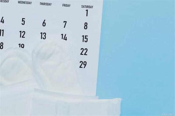 生理日外阴瘙痒多是卫生巾的错误吗?女性朋友尽量注意三个细节。  变态生理研究 769错误代码 媛媛负离子卫生巾 无机盐的生理功能 病理生理学课件 夜间外阴瘙痒 杭州分尸细节 水壶内现卫生巾 佳木斯灭门案细节 数字签名错误 第2张