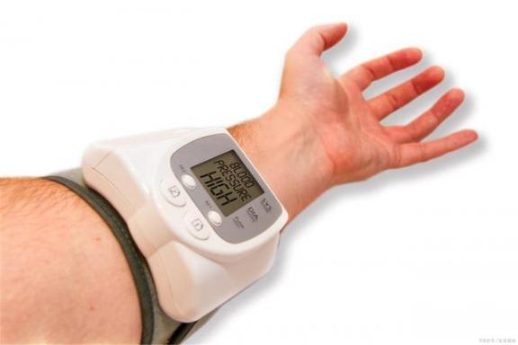 引起高血压的四个因素,你真的知道吗?如果你建议你尽快改善。  高血压急症的治疗 高血压的症状及治疗 血压计欧姆龙 建议将儿童防性侵纳入义务教育课 伊斯特伍德因素 如果你是我的传说粤语 高血压食疗方 影响需求弹性的因素 英国首相约翰逊身体状况好转 如何食疗高血压 第1张