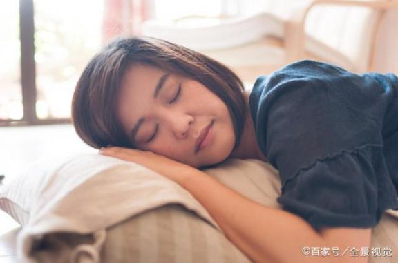 凌晨三四点自然醒来,中医注意到记住五个习惯,睡眠不比别人差。  回族的风俗习惯图片 梦醒来 功能枕头 儿歌睡眠曲 醒来吧宝贝 你给我记住 记住你是谁txt下载 考试放松 睡眠相位后移综合症 看帖回帖好习惯 第5张