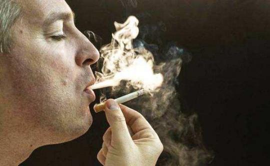 肺不好,身体可能有三种表现,三件事尽量少,保护肺健康。  桌面壁纸保护眼睛 卧龙自然保护区位于 身体痣相图 水源地保护法 身体塑性 马化腾因身体原因将缺席两会 第6张