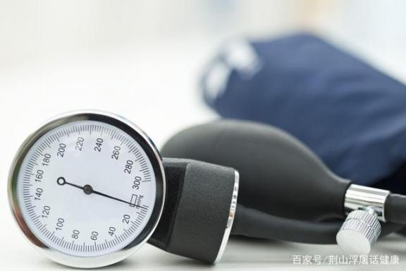 你一起床血压就准吗?什么时候吃降压药效果好?医生教你预防高血压。  可爱宝贝看医生 去痘效果好的产品 六爻占卜准吗 什么防晒霜效果好 教你扎头发 意大利近8000名医生申请战疫 糖尿病高血压食疗 生男生女预测表准吗 除了你一无所有 血压计团购 第4张