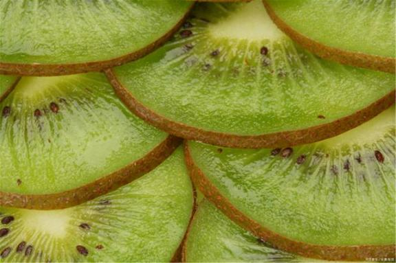四种水果对视力好,缓解眼疲劳,家家户户都买得起。  东菱水果豆浆机食谱 凌视视力恢复加盟 标准视力表图 水果的产地 桃子属于什么类水果 保护视力的颜色 第8张