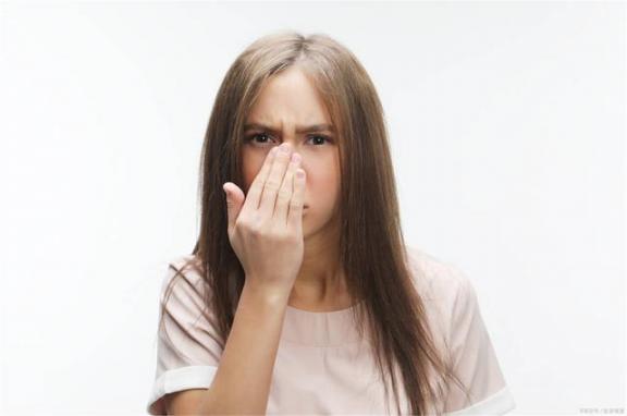 鼻炎久拖会变成癌症吗?医生:长期治鼻炎会导致并发症。  小说男妇科医生 风水与癌症 急性鼻炎的症状 鼻炎康胃痛 列宁死于梅毒并发症 导致流产的食物 4个原因导致美国疫情加速蔓延 援鄂护士确诊癌症 三八妇女节领导致辞 怎么治过敏性鼻炎 第2张