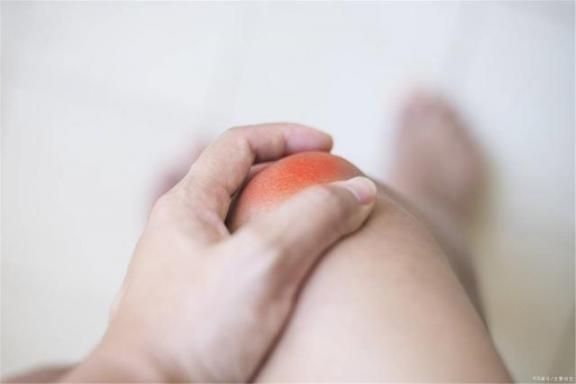 冬天关节炎容易复发。请记住保护关节的四个好习惯,避免出现问题。  关节痛的原因 保护环境的顺口溜 孕妇手指关节痛 膝盖关节炎治疗偏方 为了保护环境 劳动保护用品有哪些 第1张