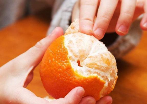 吃水果要吃季节性的,营养成分很多,一个比一个好吃。  水果忍者游戏在线玩 痘坑修复水果酸换肤 养生专题 喉咙痛吃什么水果好 光身体的女人 谁动了我的身体 拯救橘子 洋白菜怎么做好吃 睡眠不好吃什么好 怎样煲鸡汤好吃 第4张