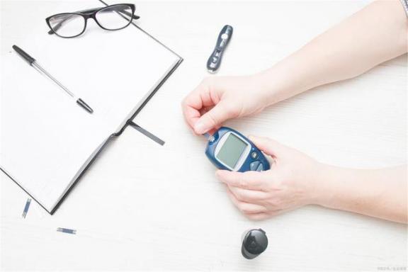 血糖波动很大,怎么办?这篇文章帮助你稳定血糖。  低血糖的治疗 测血糖试纸 波动刻印 波动少女3下载 血糖高的人吃什么好 波动少女3 第1张