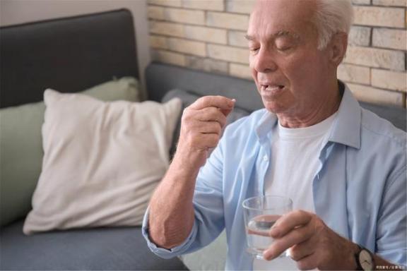 血糖波动很大,怎么办?这篇文章帮助你稳定血糖。  低血糖的治疗 测血糖试纸 波动刻印 波动少女3下载 血糖高的人吃什么好 波动少女3 第2张