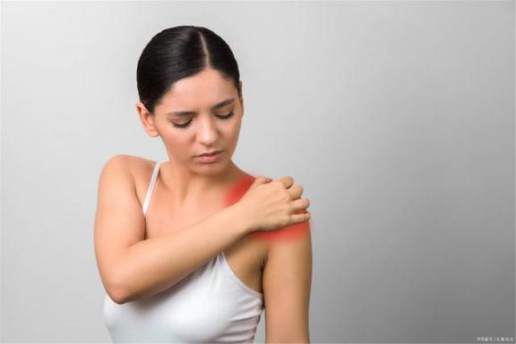 40岁以后如何预防关节炎?请注意。  治疗关节炎 如何预防阴道炎 如何预防妇科炎症 40岁女人保养卵巢 你有新短消息请注意查收 40岁女人的发型 40岁女人穿衣 如何预防病毒 类风湿关节炎吃什么药 风湿性关节炎怎么治疗 第2张