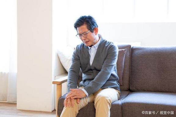 老寒腿其实是骨关节炎!为什么越来越多的人得了骨关节炎?  多疑的人 王思聪是什么样的人物 骨关节炎能治好吗 蚊子喜欢叮咬什么血型的人 爱你越来越多 骨关节炎的治疗 髋关节骨关节炎 第1张