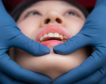 牙齿还好吗?戒掉这5个伤牙习惯,老了还有一口好牙。  宝宝5个月 西瓜霜口腔溃疡 如何戒掉手瘾 当你老了郑二 口腔拔牙 我想我可以习惯一个人生活 好习惯成就好人生 他们都老了吧 你现在还好吗 牙缝很臭 第4张