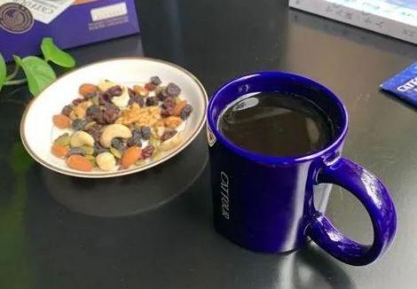 四款速溶咖啡成了心地善良,家中常备,醇厚浓香又便宜。  我成了张无忌 家中常备药 五四运动形成了什么的五四精神 变成了造句 第7张