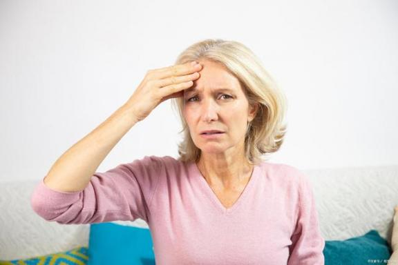 脑梗塞塞来临时,头部会有预兆吗?来看看症状。  头部湿疹 头部牛皮癣 什么是脑梗塞 透水预兆 会有天使替我去爱你 后会有期的意思 长风破浪会有时的下一句 头部结缔组织群体切割手术 前列腺结石的症状 脑梗塞的治疗 第3张