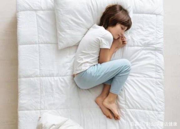 年龄越大,睡眠越少?睡眠需要多长时间?关于睡眠的误解很清楚。  股指期货对股市的影响 无私奉献的精神 测年龄 退休年龄最新规定2019 误解作文 误解英文 配股对股价的影响 两个月的宝宝睡眠时间 法定结婚年龄是多少 误解的反义词 第3张
