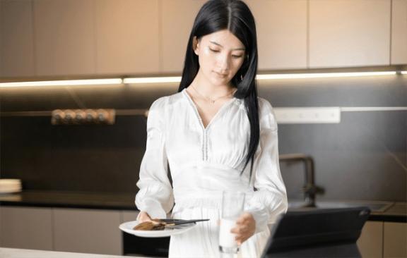 没有食欲是什么意思?吃什么养胃?要理解这三个养胃误区。  吃什么东西可以养胃 香砂养胃丸副作用 护肤误区 养生误区 吃什么药养胃 爱的理解 人与自然关系的理解 你的误区 养胃菜谱 香砂养胃汤 第5张